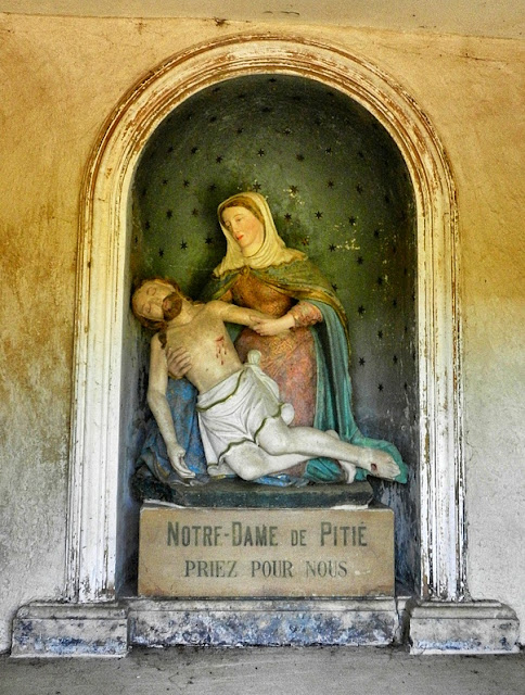 BOUZANVILLE (54) - Pietà de la Chapelle ND de Pitié (XVIe siècle)