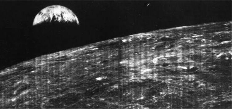 a-primeira-fotografia-da-terra-tirada-da-lua