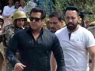 Salman khan and shera his body guard