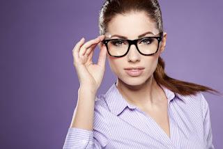 Las personas que usan anteojos son más inteligentes