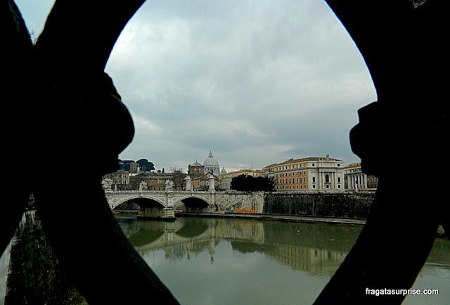 Roma: Vaticano visto da Ponte de Sant'Angello
