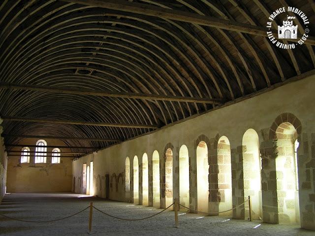 MONTBARD (71) - Abbaye de Fontenay : dortoir