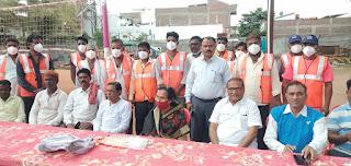 नगर परिषद अंजड़ ने सफाई कर्मचारियों को किट प्रदान की