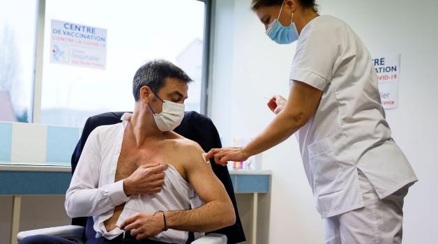 Francia pondrá Pfizer o Moderna a los que ya tienen una dosis de AstraZeneca