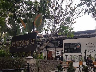 cafe platform 78
