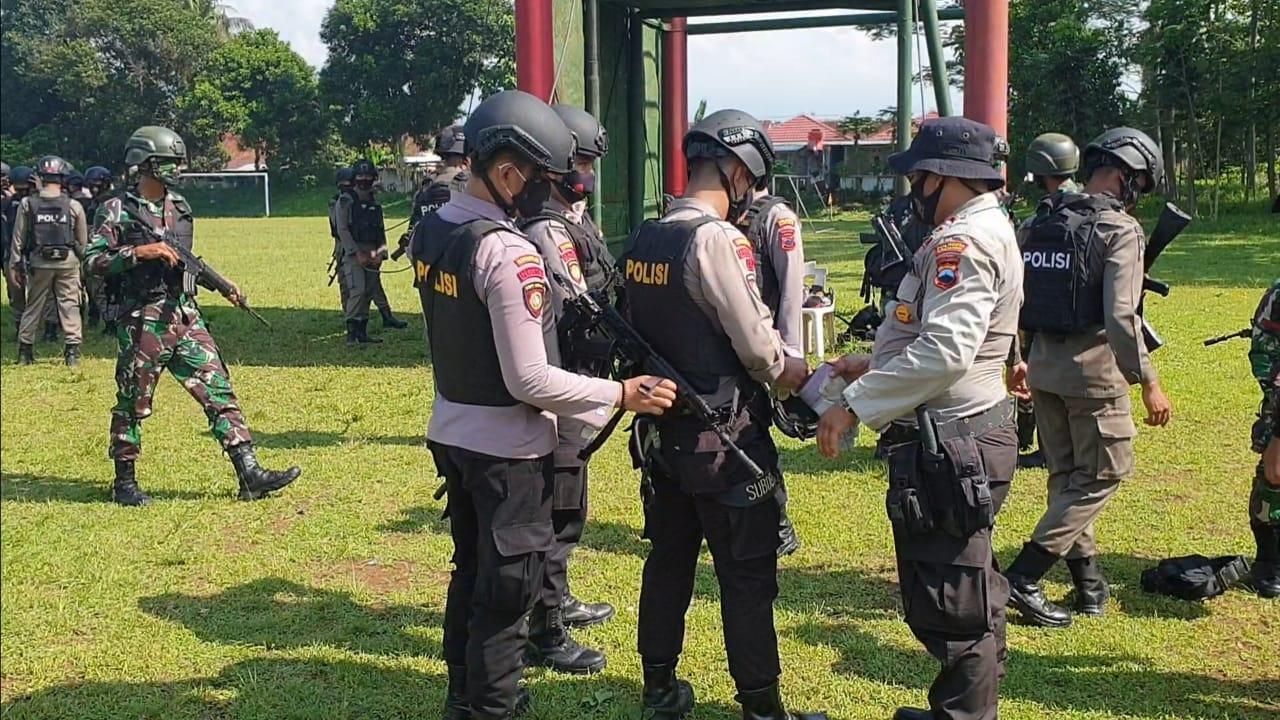 50 Personel Satuan Sabhara Polresta Banyumas Latihan Bersama Anggota TNI Dan Brimob