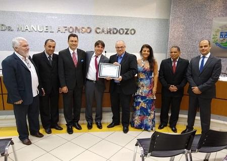 http://www.jornalocampeao.com/2019/11/camara-comemora-30-aniversario-da-uemg.html