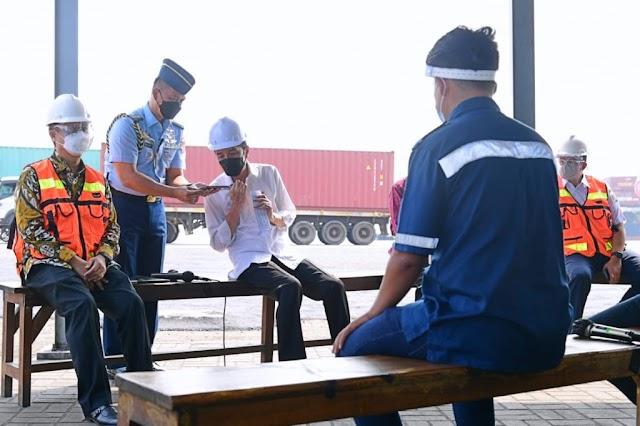 Sopir Kontainer Curhat Soal Pungli kepada Presiden Jokowi