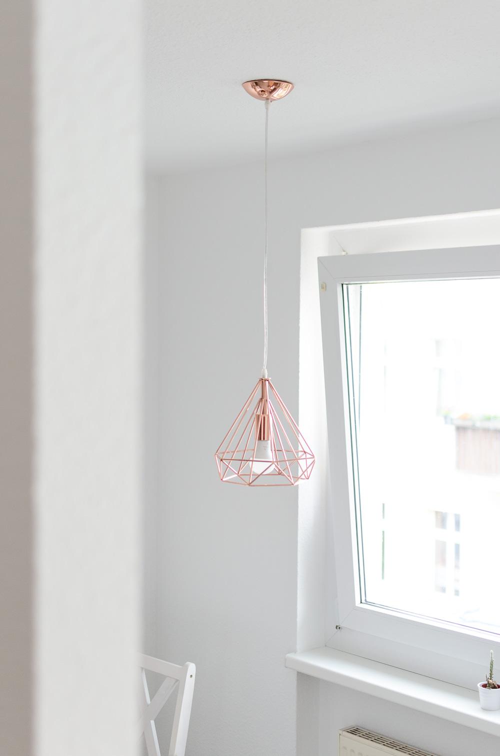 kuechen-planung-inspiration-kupfer-haengelampe