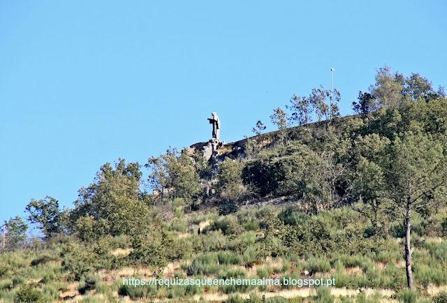Cristo Rei no alto da Serra da Marofa