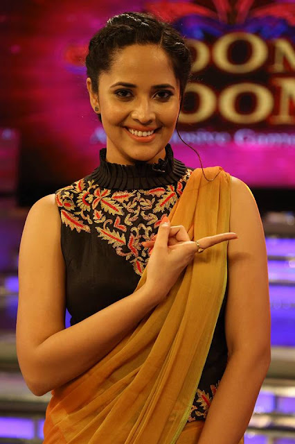 Anchor Anasuya in Boom Boom Show Saree Stills
