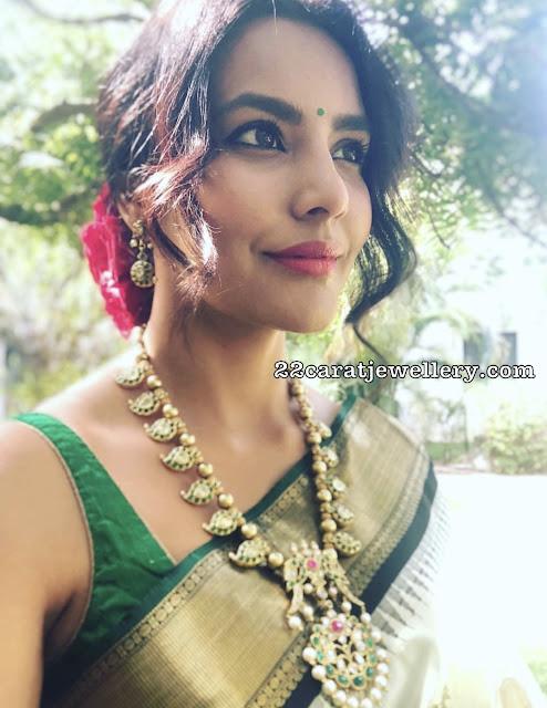Priya Anand in Emerald Mango Haram