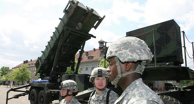 """لماذا يتدرب الجيش الأمريكي على صد """"ضربة نووية"""" روسية لأوروبا؟"""