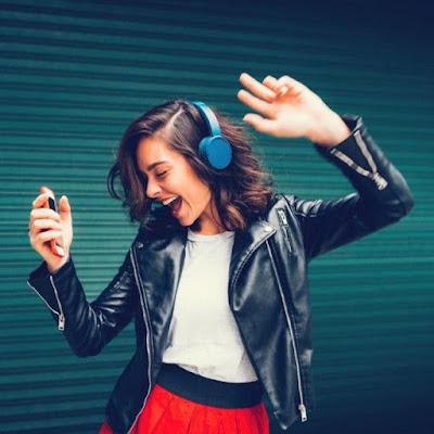 6 Manfaat Baik Mendengarkan Musik, Bukan Cuma sebagai Hiburan!