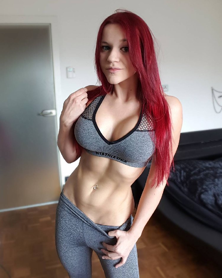 Austrian redhead Fitness Model Stefanie Macherham