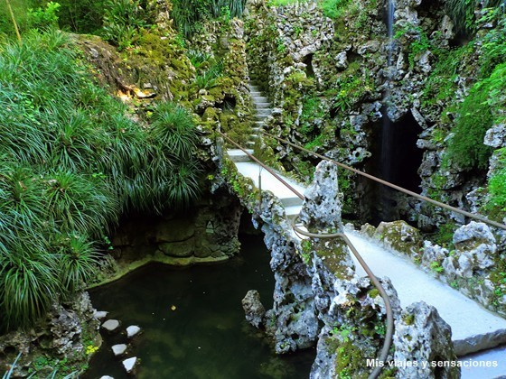 Lago de la cascada, Quinta da Regaleira, Sintra, Portugal