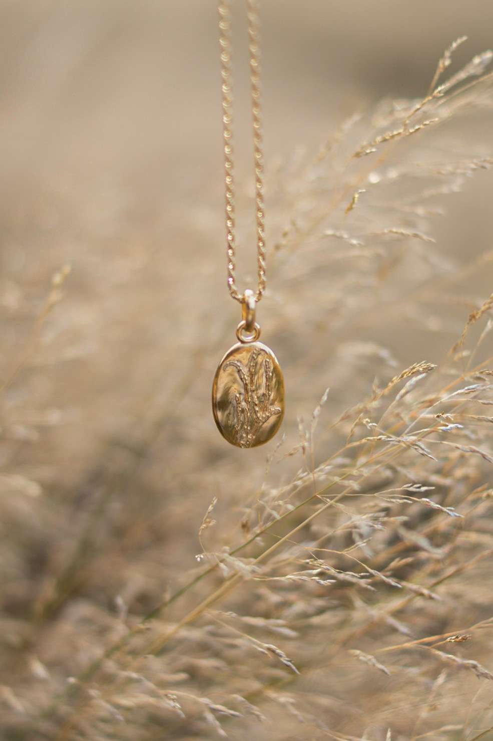 Daisy-london-gold-lavender-necklace-review