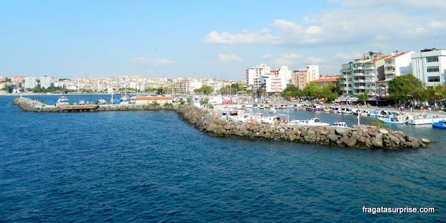 marina da cidade de Çanakkale, Turquia, no caminho para as ruínas de Troia
