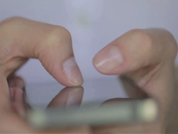 mungkin merasa heran dengan kecepatan pengguna lama ketika mengetik di layar ponsel mereka 9 Cara Mengetik Cepat di Layar Sentuh Android