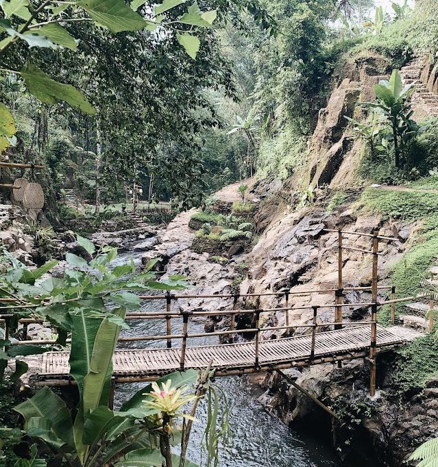 Warung Nukad Tampaksiring Gianyar Bali