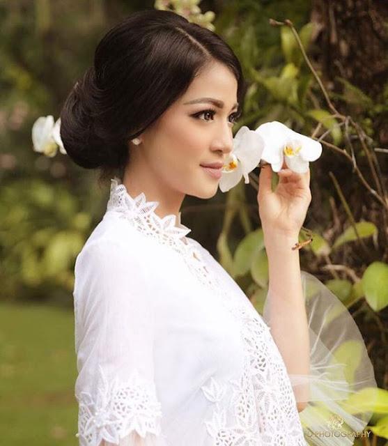 Miss Indonesia 2009 Kerenina Sunny