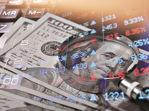 Wall Street cae y dolar sube