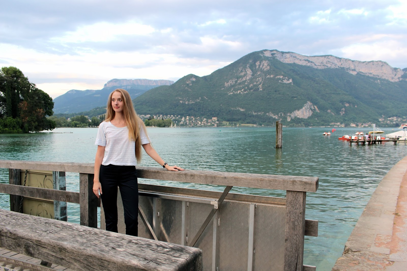 Lifestyle blogger travel diary of 24 hours in Annecy