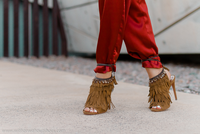 Blog adicta a los zapatos Sandalias de tacón con plumas modelo Pocahontas de Aquazzura