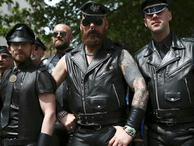 ativistas gays masculinos de S/M