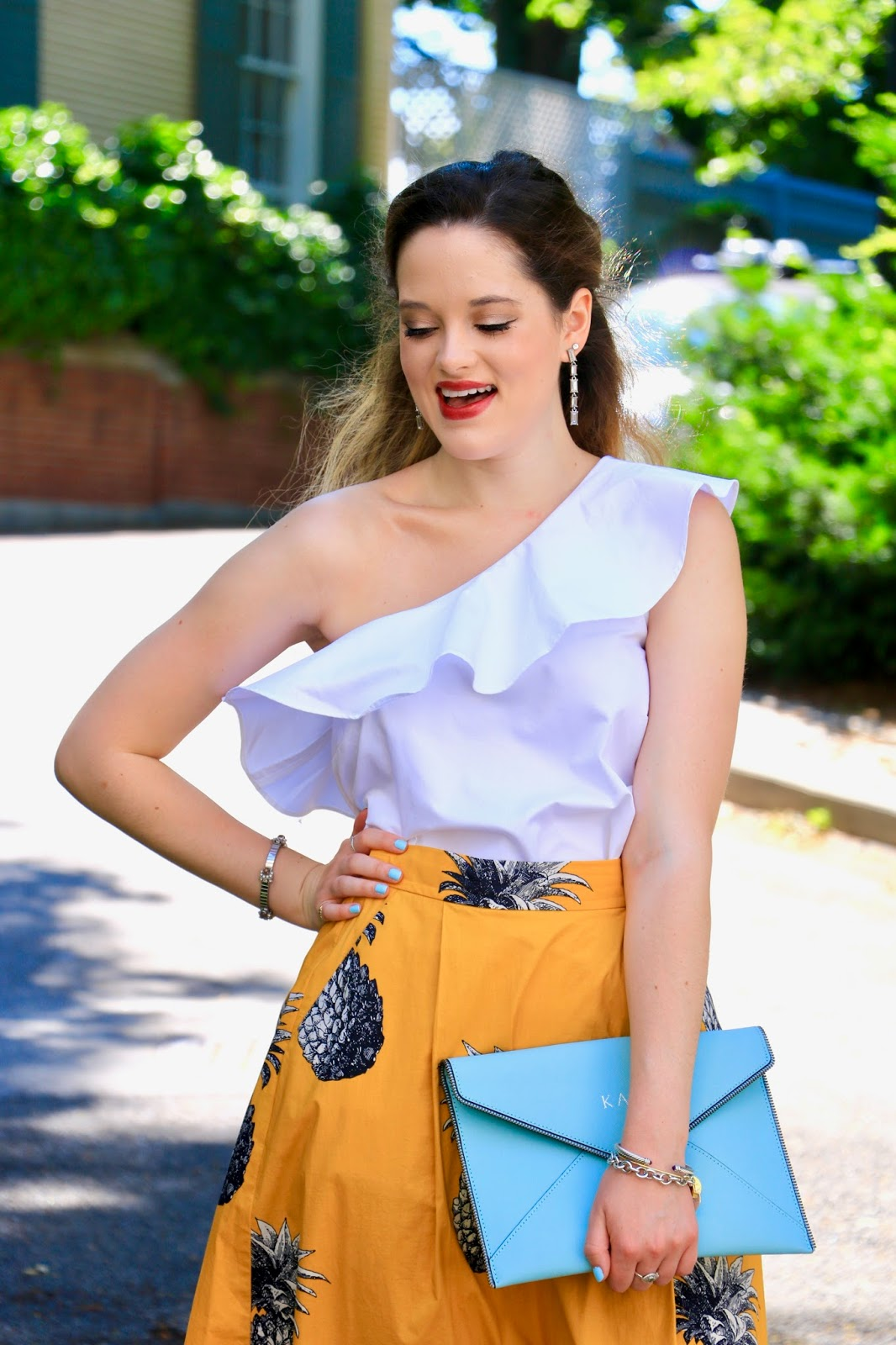 nyc fashion blogger kathleen harper showing off summer style
