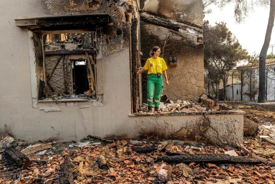 Κάηκε το σπίτι εθελόντριας που έσωζε άλλα σπίτια