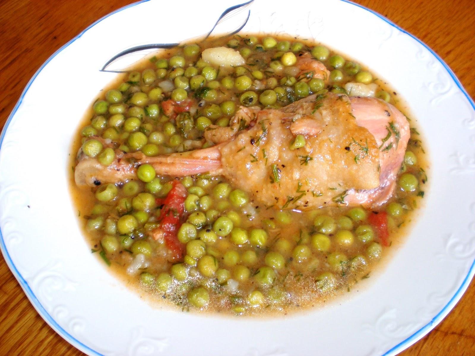 Mâncare de mazăre cu carne de pasăre