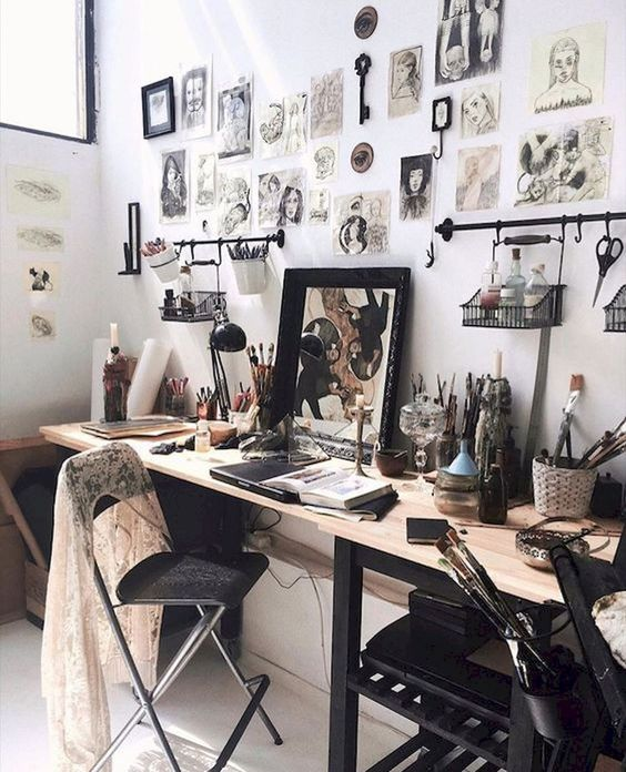 favorite diy art studio small space idea