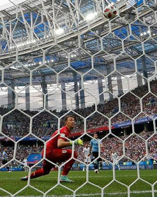 لحظة تسجيل الهدف الثاني للمنتخب الفرنسي