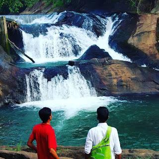 aruvikuthu waterfalls