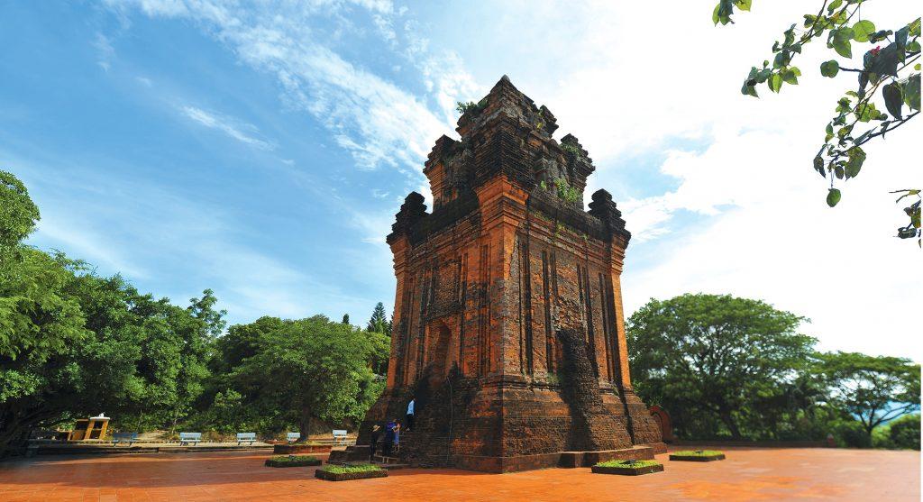 Tháp Nhạn - Tour du lịch Hà Nội - Bình Định - Quy Nhơn
