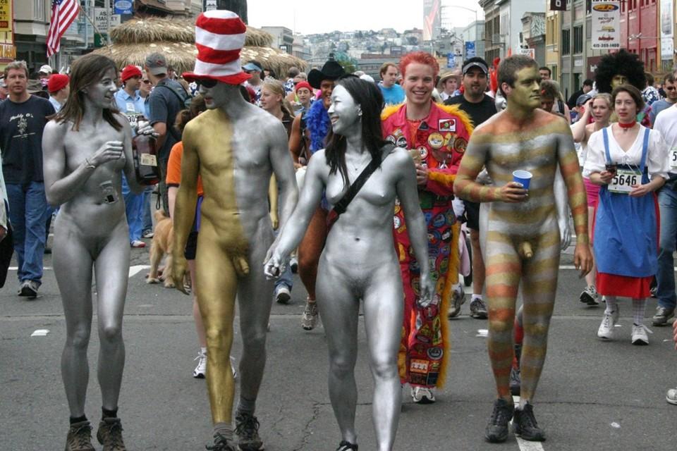 guys nude body paint