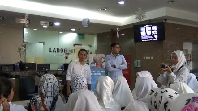 Dr Wismasji Sadewo, SP BS (K) dari RS Jatinegara dalam talkshow Nyeri Tulang Belakang (dok.windhu)