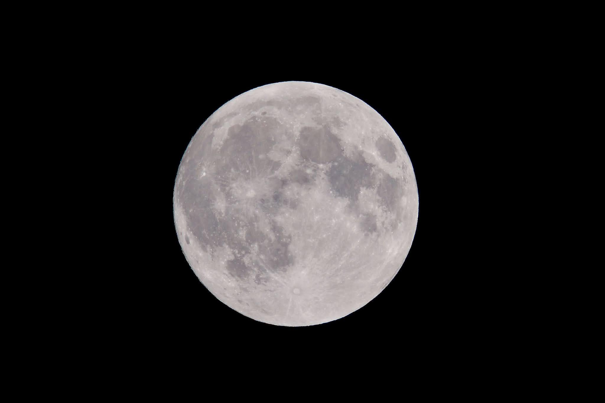 Bulan purnama dan zodiak