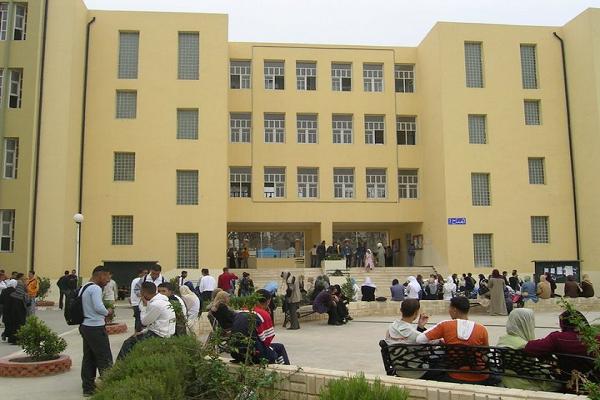 المجمع العلمي لكلية الحقوق بجامعة الشلف يحتفل بيوم الشهيد