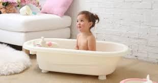 كيف تجعلي طفلك يحب الاستحمام