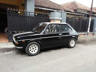 Dijual Mobil imut lucu asli 2 pintu 900cc  Fiat 127 th 1972