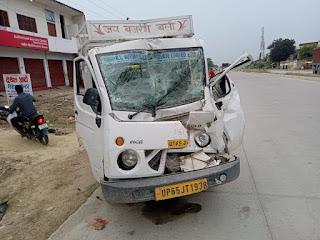 ट्रक-मैजिक के टक्कर में पांच व्यक्ति गम्भीर रूप से घायल | #NayaSaberaNetwork