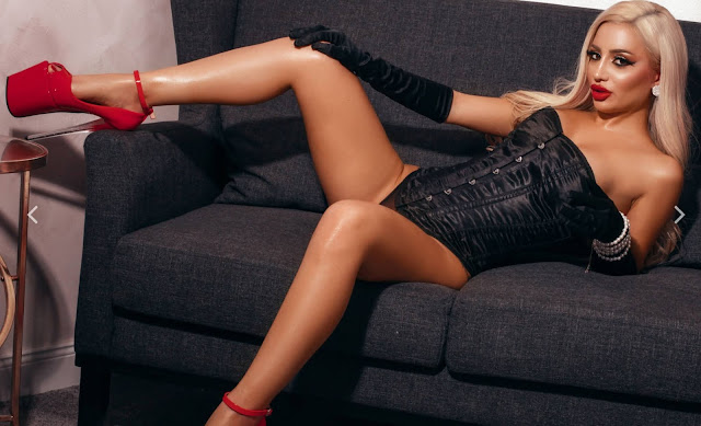 camswild-andreaalenna-blonde-in-black-corset,-long-black-velvet-gloves-and-red-high-heels