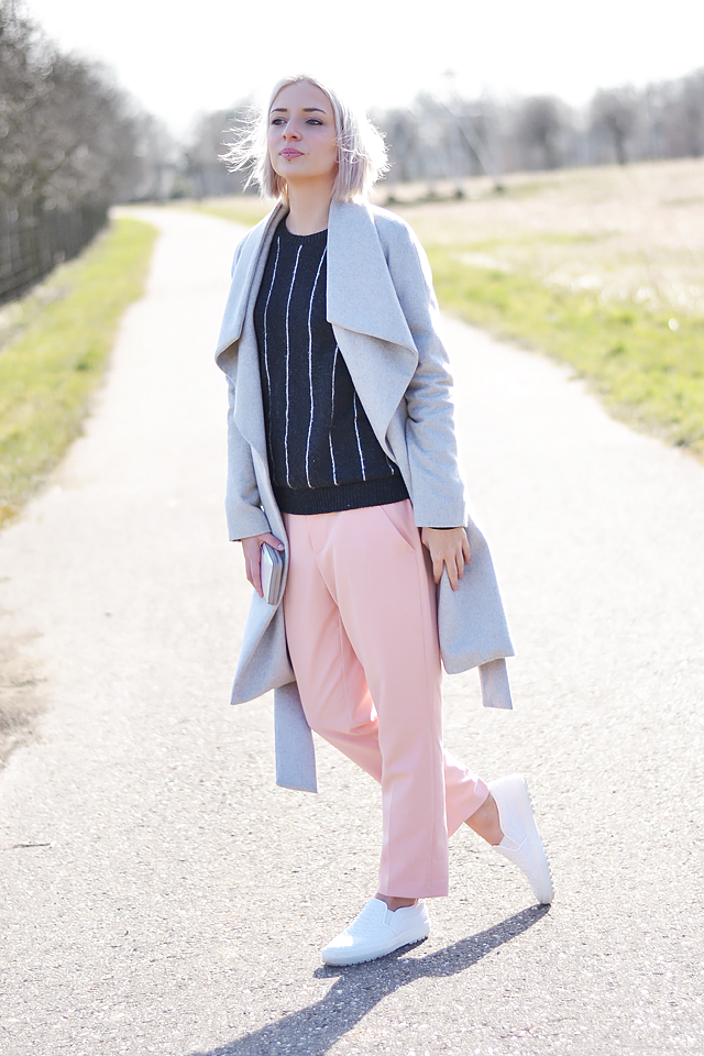 Full outfit post, fashion blogger, ootd, pastel outfit, white slip on, zara, mango , marc jacobs