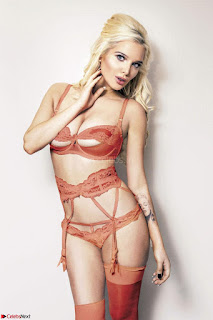 Helen-Flanagan-1+SexyCelebs.in+Bikini.jpg