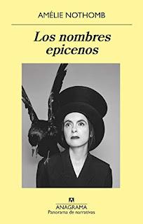 Portada de la novela de Amelie Nothomb Los nombres epicenos en la que sale una imagen de la autora