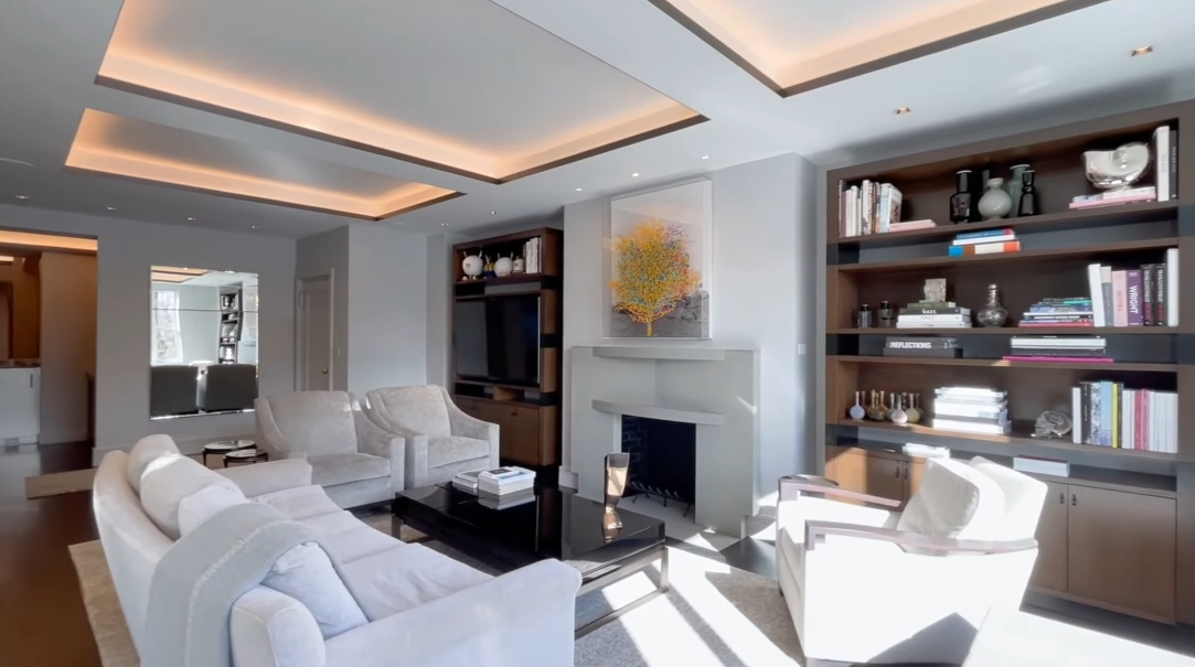 21 Interior Design Photos vs. 91 Central Park W #4A, New York, NY Luxury Condo Tour