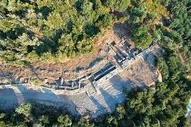 ΒΕΛΙΚΑ  Τα μυστικά του Κάστρου στην  αρχαία Μελιβοία