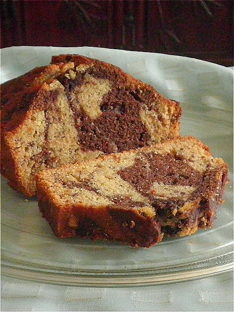 Banana Bread Recipe @ http://treatntrick.blogspot.com